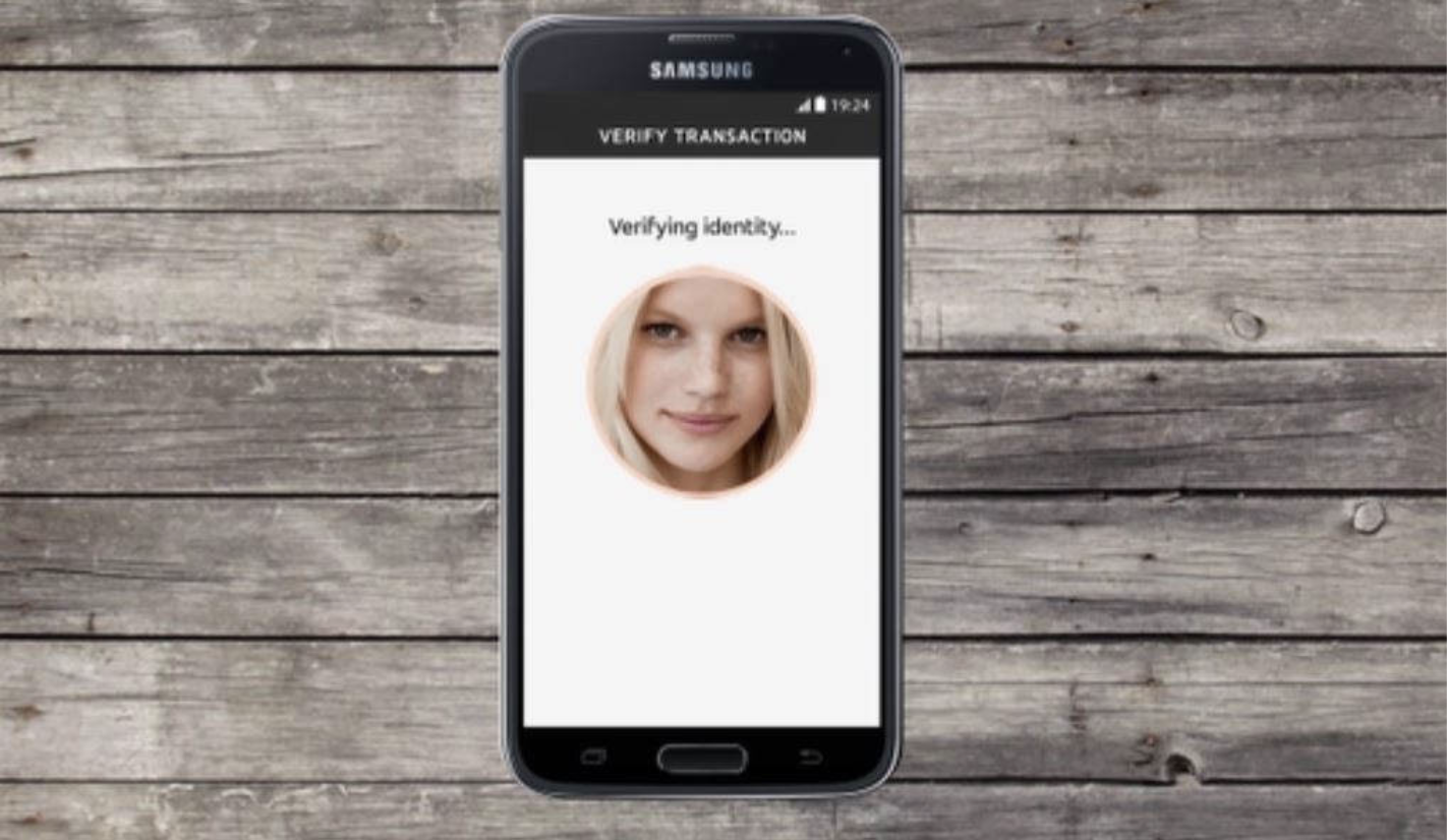 Verifying Identity on mobile device with Mastercard's Selfie Pay facial recognition software